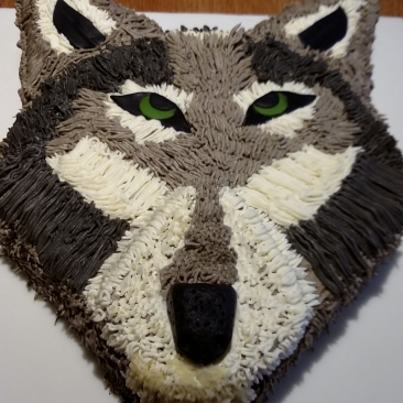 Novelty chocolate wolf cake