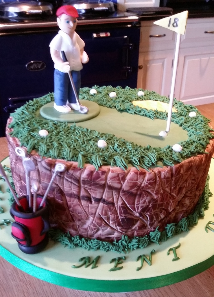 Golf themed chocolate-fudge cake